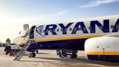 Ryanair aircraft - door open